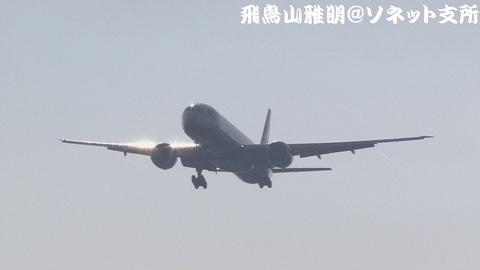 ブリティッシュ・エアウェイズ G-STBA@成田国際空港。RWY34Lエンドより。